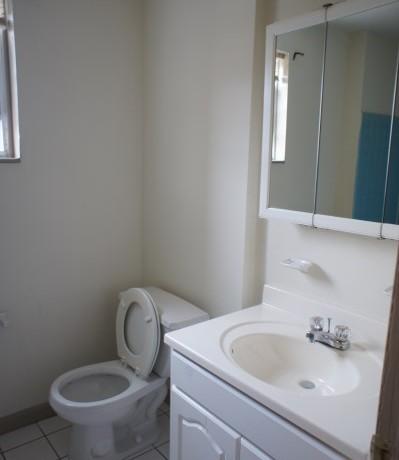 1429-2 bathroom