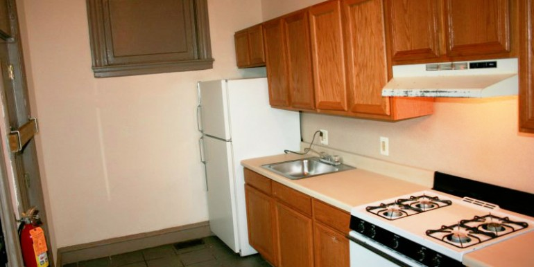 1524-1R-kitchen