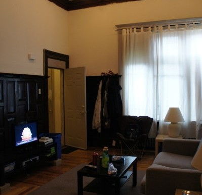 zsmall_Studio 10 Livingroom (2)